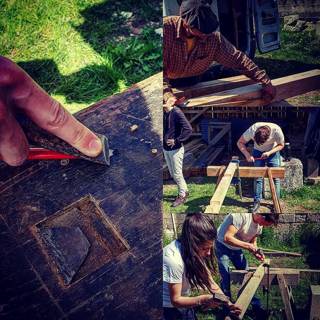 Montage photos des ateliers Charpente pour la porte de Laon